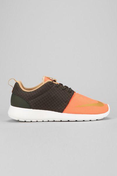urban outfitters nike roshe run sneaker in orange for men. Black Bedroom Furniture Sets. Home Design Ideas