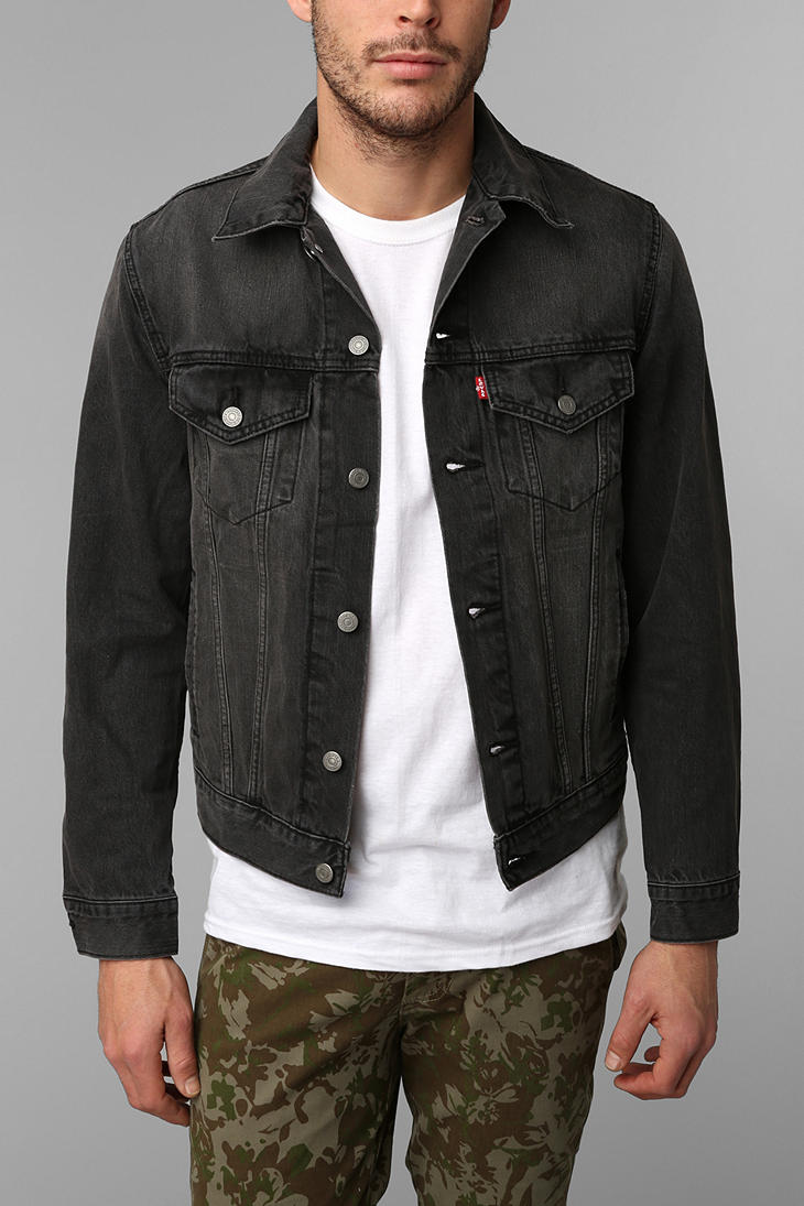 Urban Outfitters Levis Washed Black Denim Trucker Jacket In Blue For