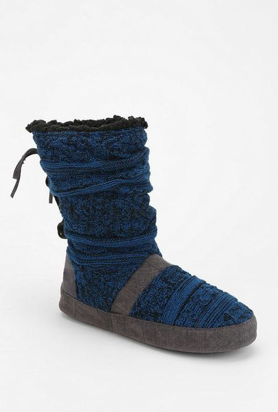 Urban Outfitters Muk Luks Jenna Toggle Slipperboot in Blue