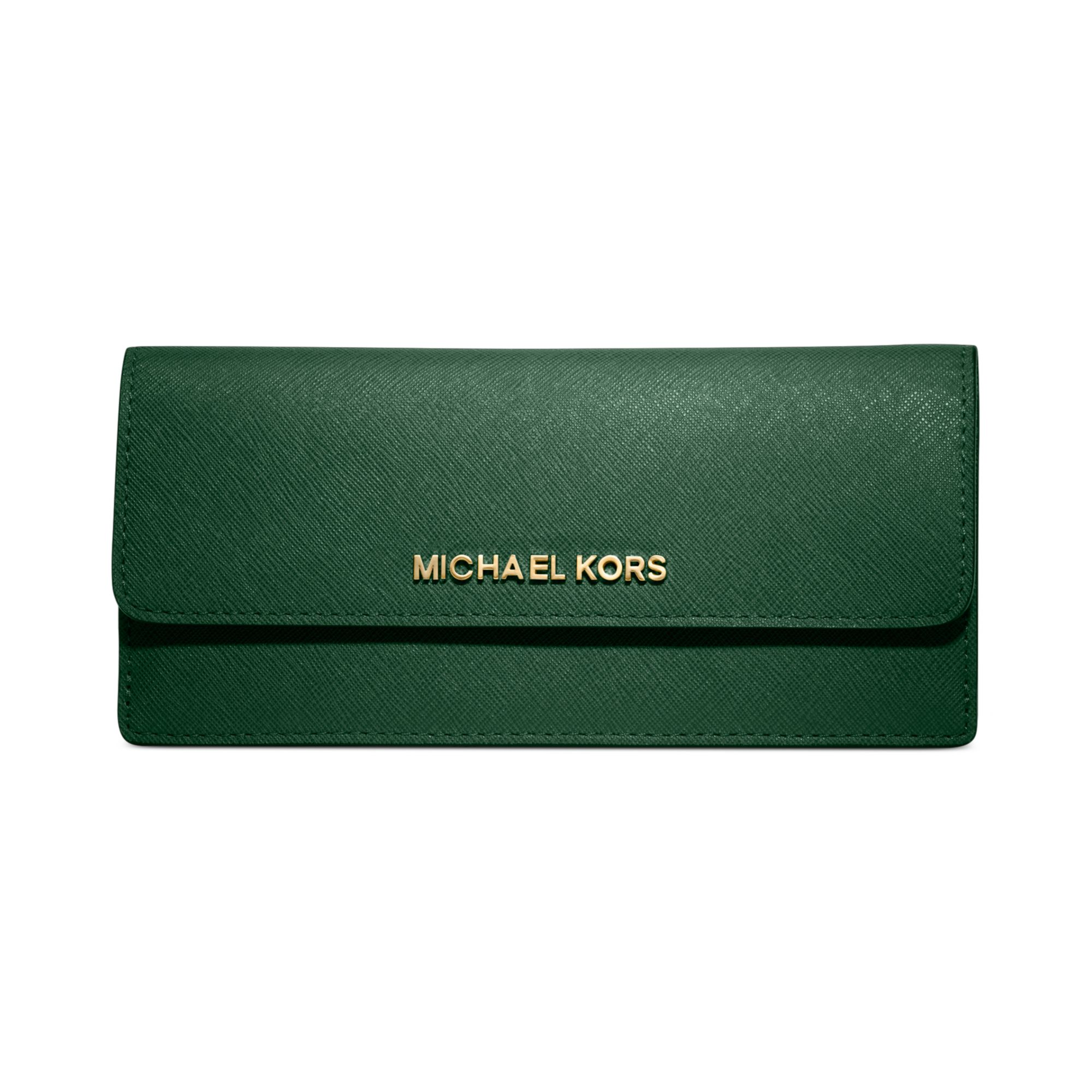 11c99a11affee6 Michael Kors Jet Set Travel Wallet in Green - Lyst