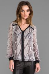 Diane Von Furstenberg Lane Chiffon Top in Light Gray - Lyst