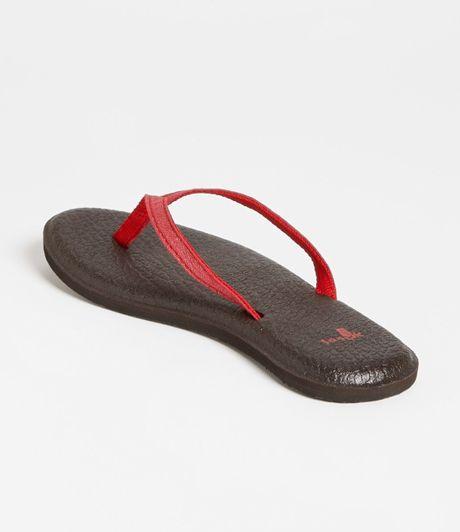 Sanuk Womens Yoga Mat Flip Flop In Red