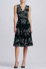 Oscar de la Renta Vneck Embellished Lace Dress - Lyst