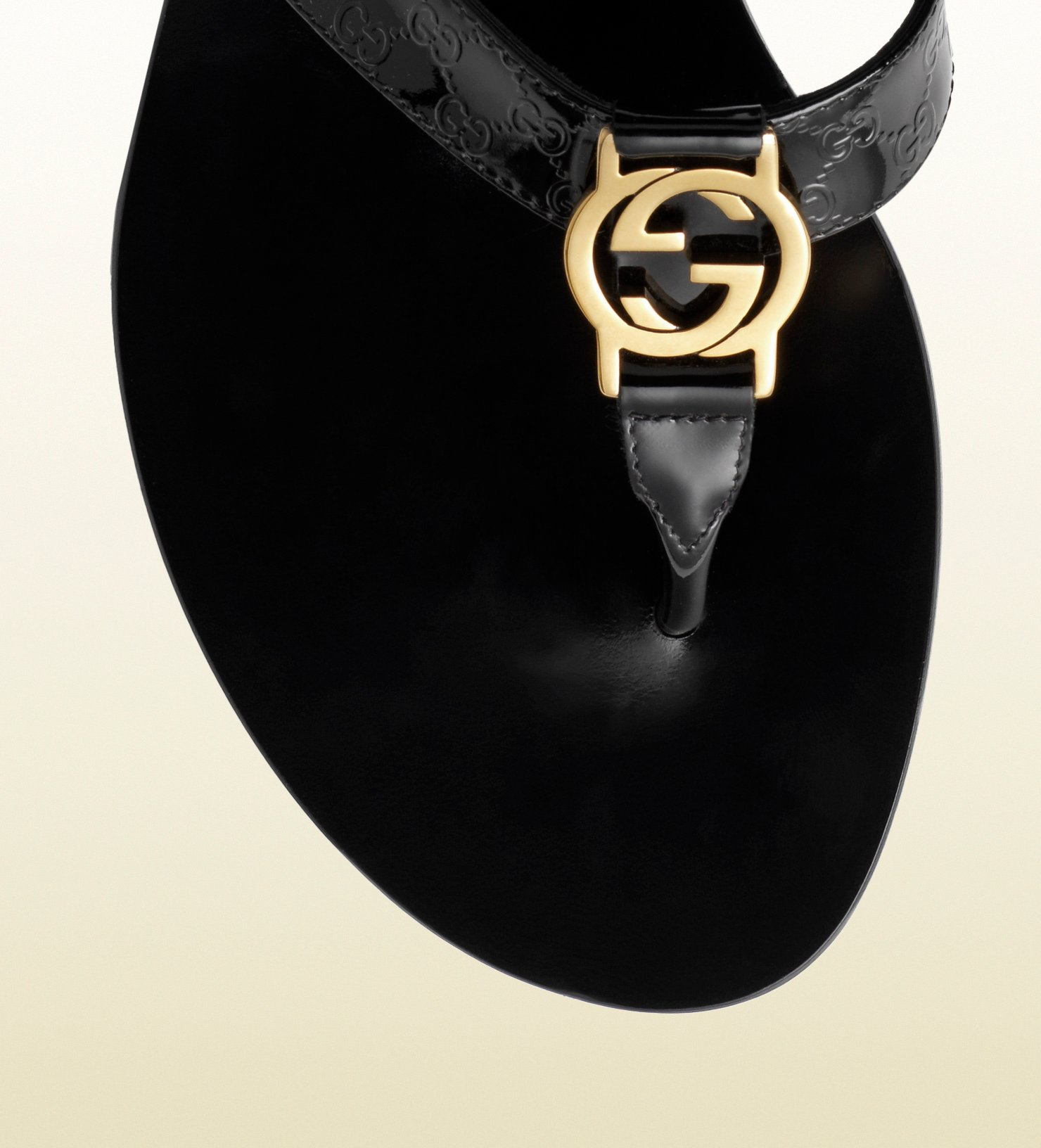 cb4e89327f4 Lyst - Gucci Gg Thong Patent Leather Sandal in Black