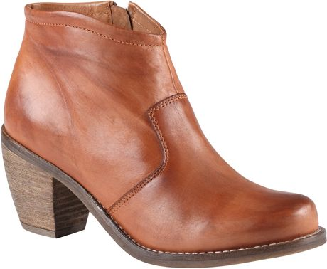 Aldo Hollberg in Brown (Cognac)