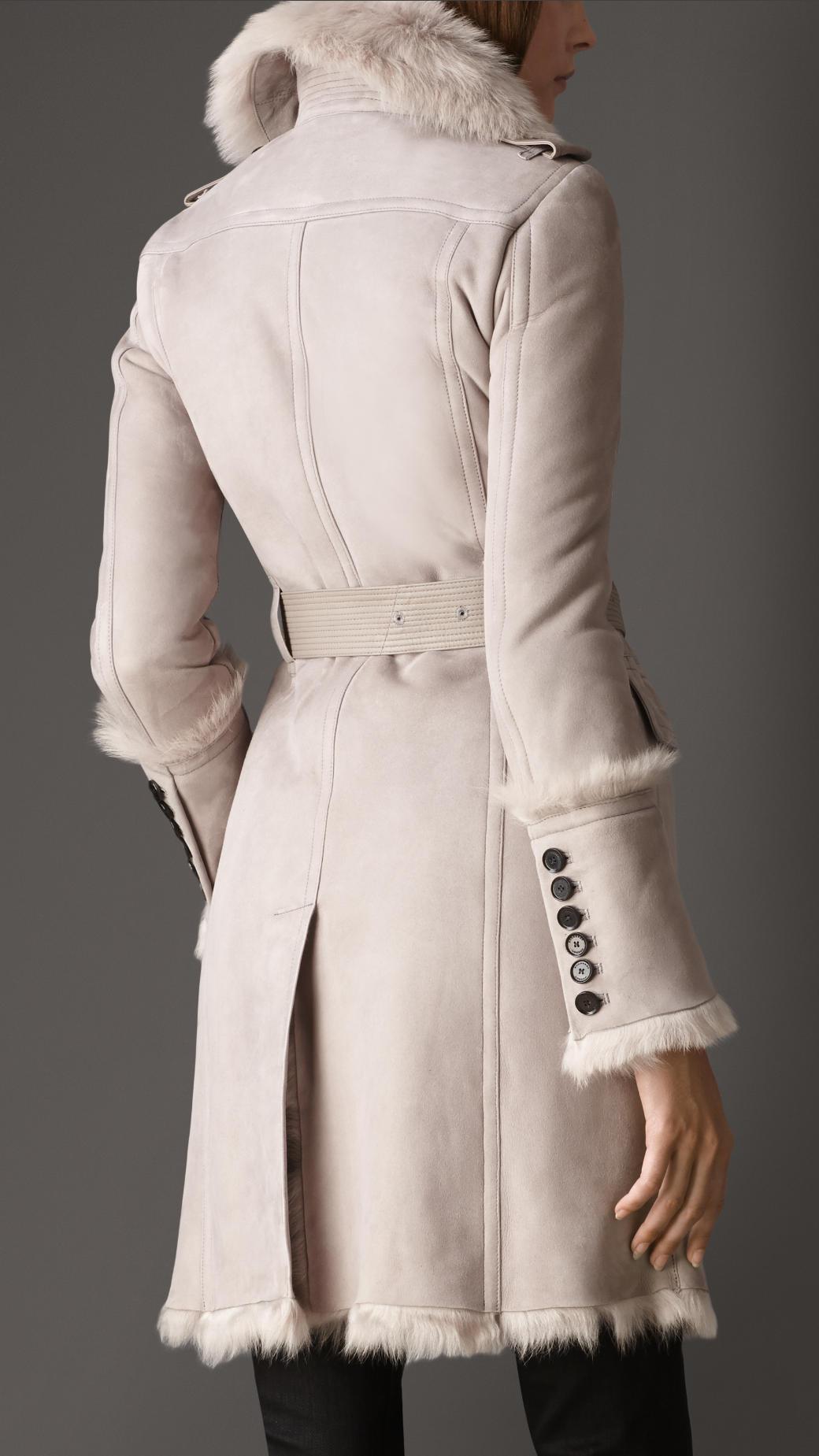 Burberry Revere Collar Lambskin Shearling Coat in Black | Lyst