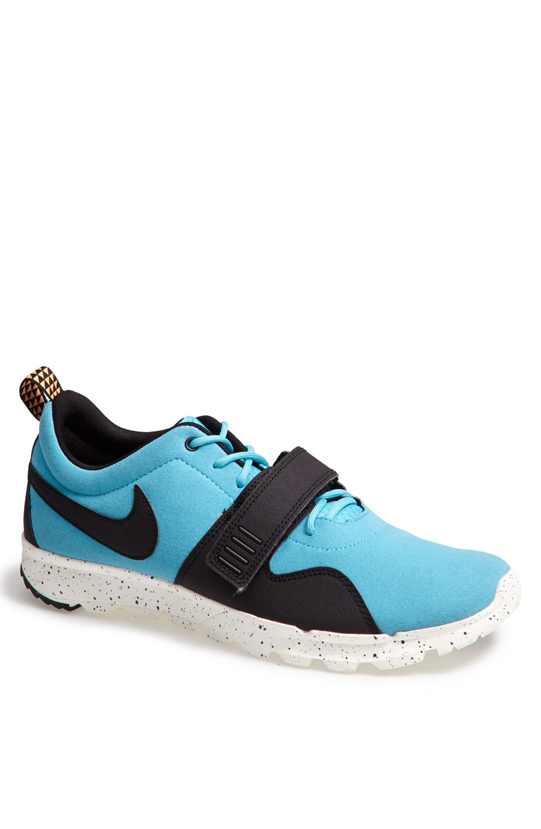 nike trainerendor shoe in pink for gamma