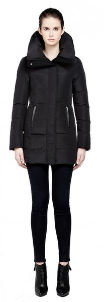 Mackage Anika Short Black Down Jacket - Lyst