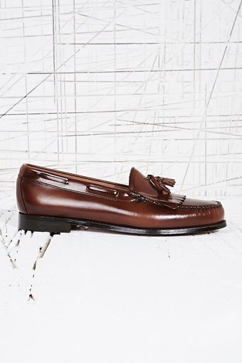 Bass Weejuns Layton Cognac Tassel Loafers in Money - Lyst
