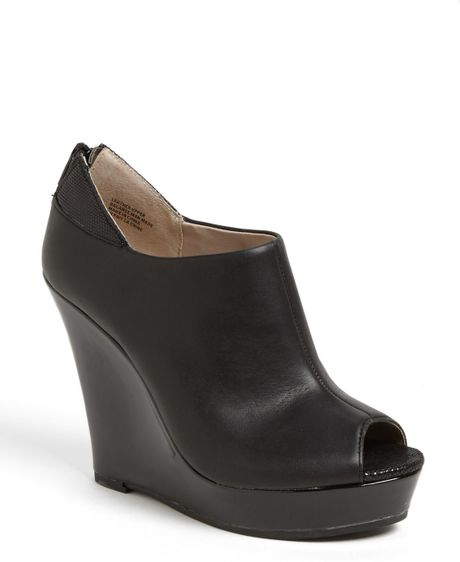 seychelles walking peep toe wedge in black lyst