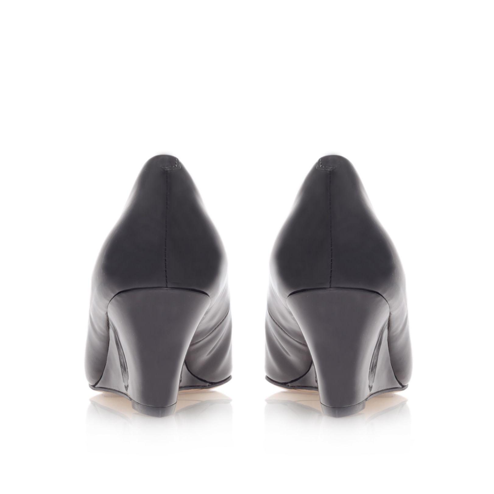 nine west mela3 coourt shoes in black lyst