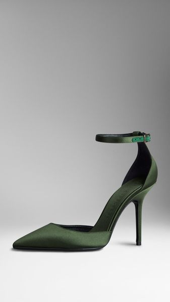 Burberry Point-Toe Satin Pumps - Lyst
