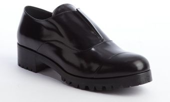 Miu Miu Black Shined Leather Laceless Oxfords with Lug Sole - Lyst