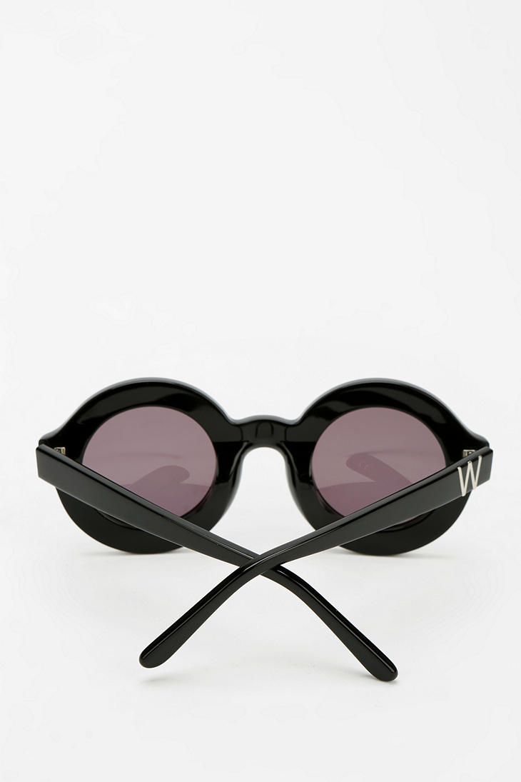 95668b3c5a Lyst - Urban Outfitters Wildfox Couture Twiggy Deluxe Sunglasses in ...