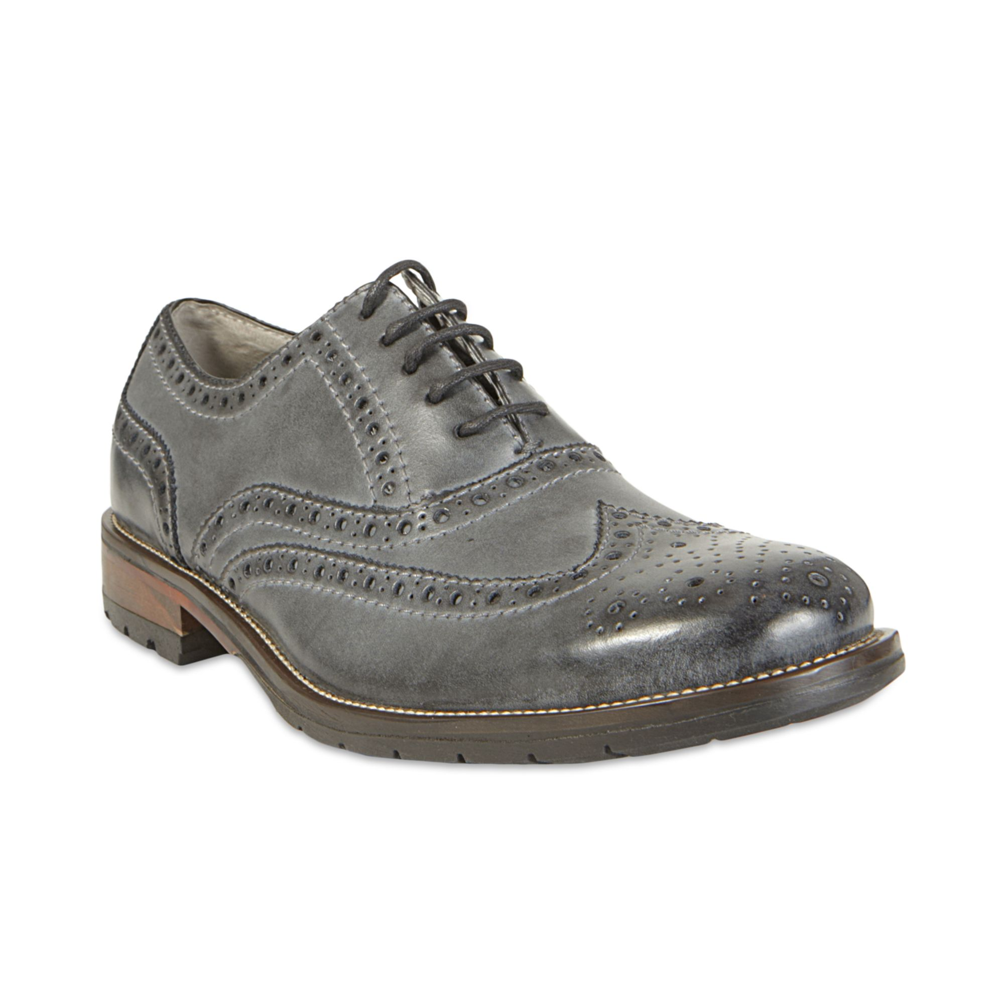 Oxfords The collection of FRYE men's classic wingtip shoes and oxfords is crafted from the highest-quality leathers available. For longevity and style that gets better with age, shop now.