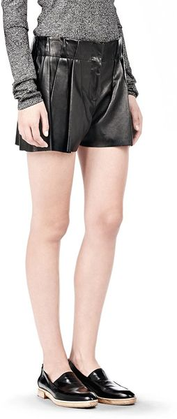 Alexander Wang Bloomer Pleated Leather Shorts - Lyst