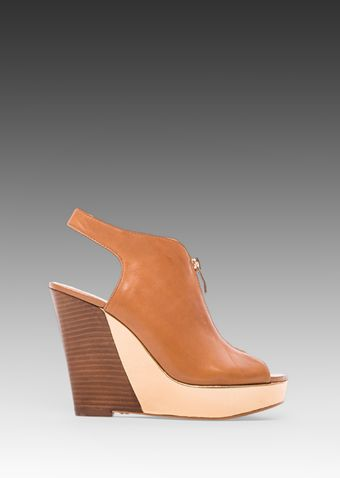 Vince Camuto Wenzele Wedge in Tan - Lyst