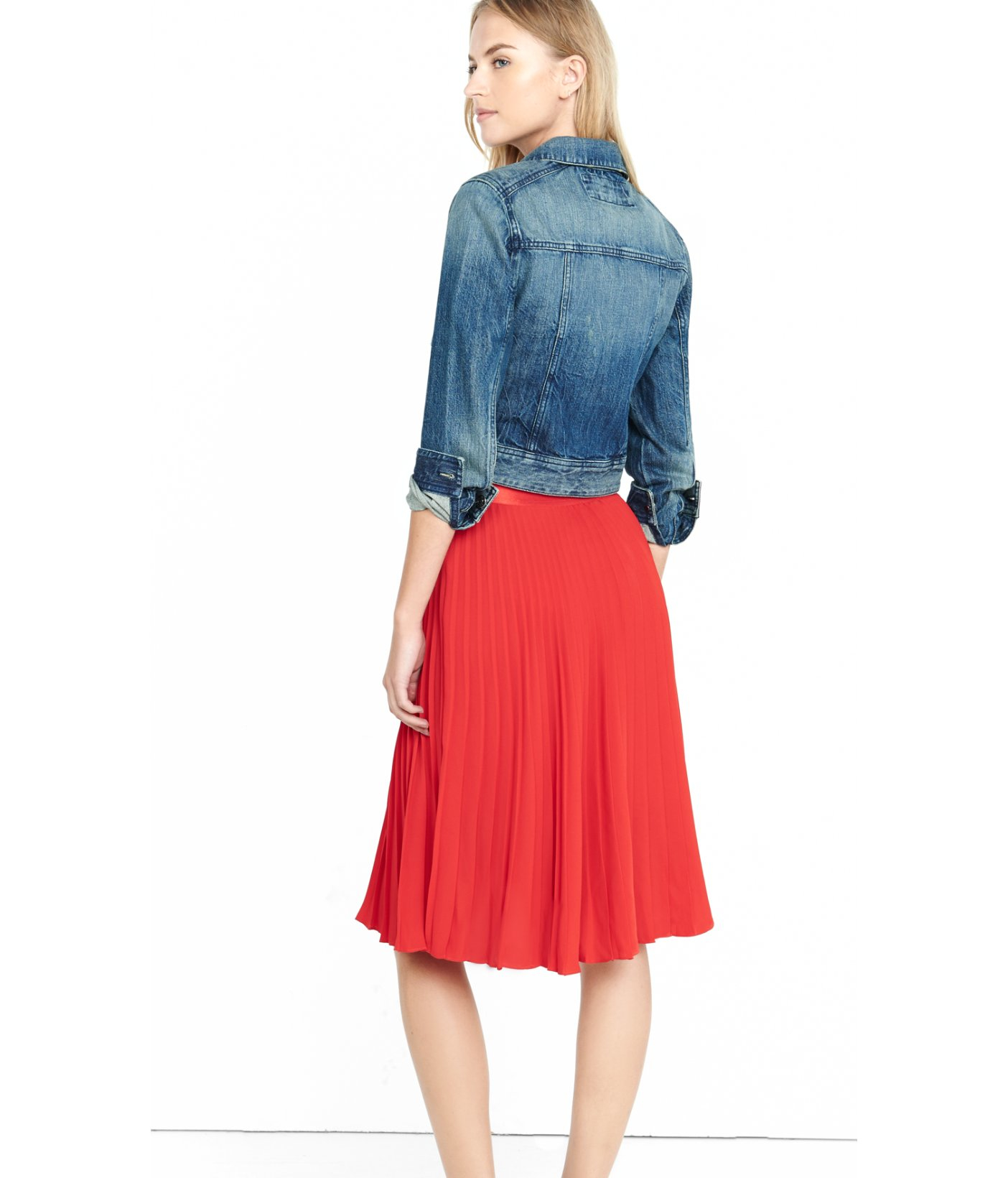 Express Red High Waisted Pleated Crepe Midi Skirt in Red | Lyst