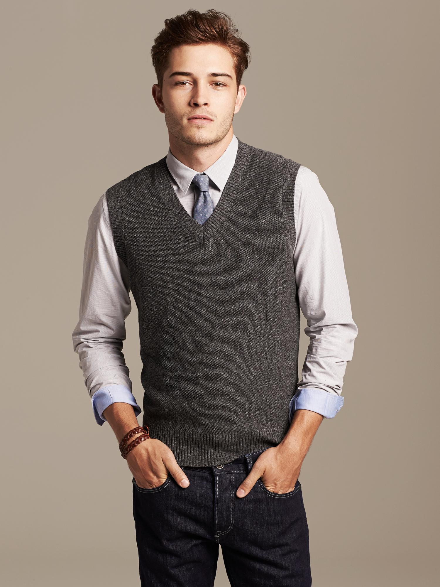 Enjoy major savings on a seasonal favorite at the men's sweater sale at Brooks Brothers. With the perfect combination of traditional and modern looks, our selection of men's designer sweaters on sale contains staple pieces for any fashion-savvy man.