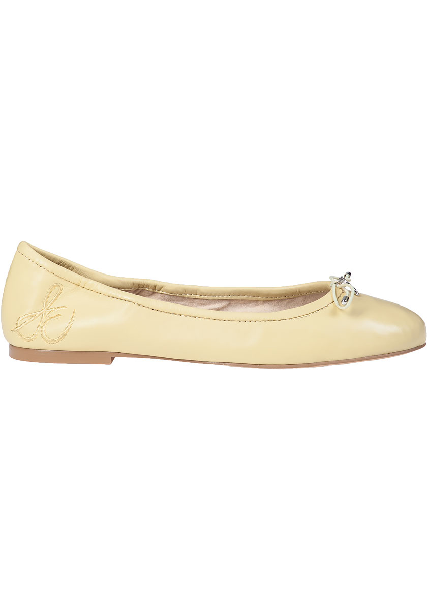 Flat Shoes With Cushioned Soles