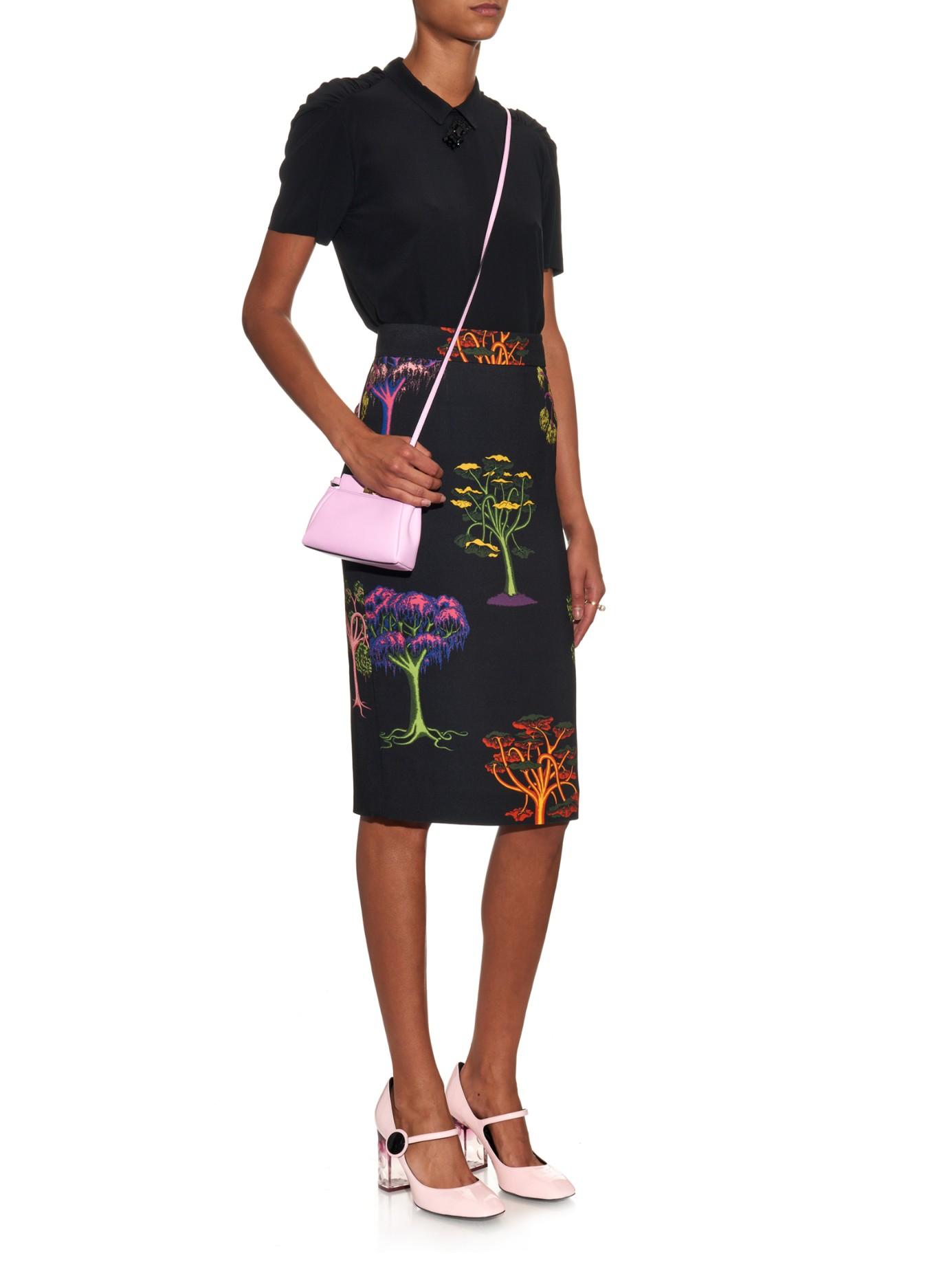 b7294ee413ac Lyst Fendi Micro Peekaboo Leather Cross Body Bag In Pink