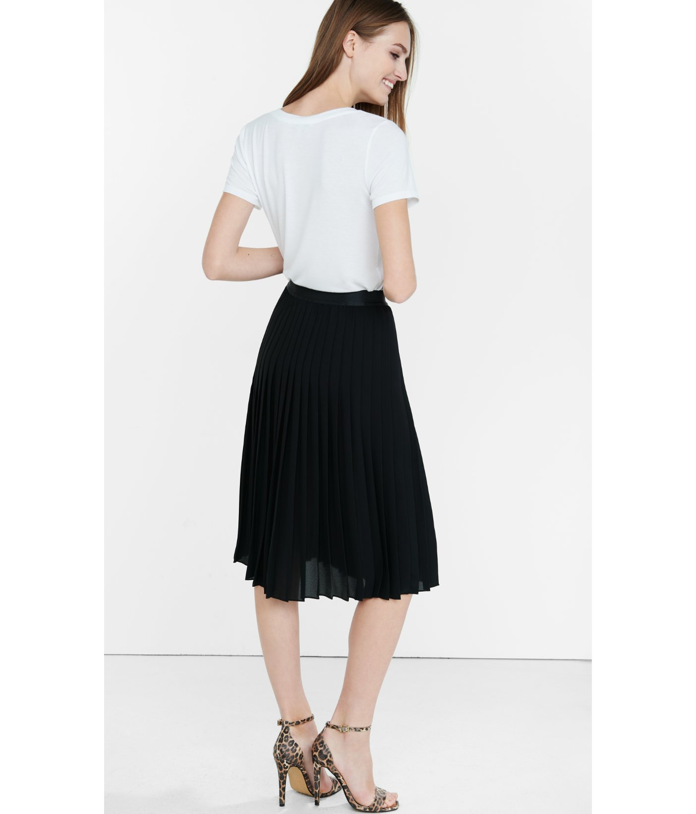 Express Black High Waisted Pleated Midi Skirt in Black | Lyst