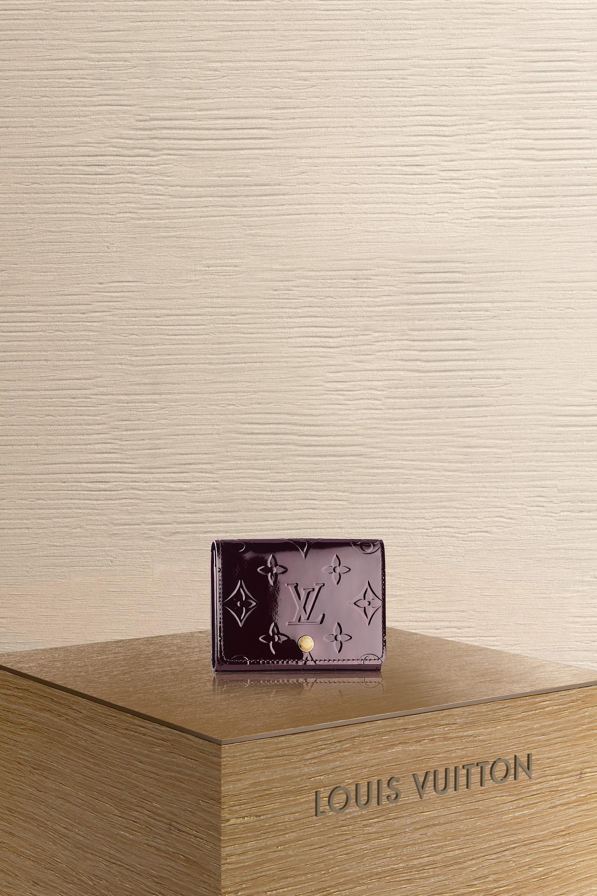 Louis vuitton business card holder lyst louis vuitton womens business card holder colourmoves