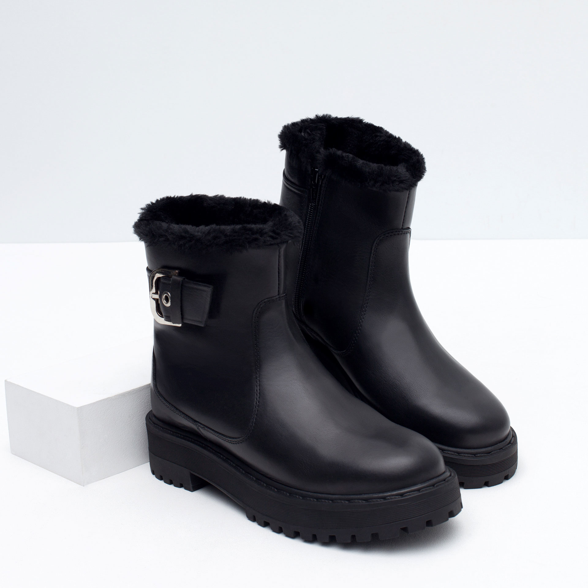 zara flat leather and faux fur ankle boots in black lyst