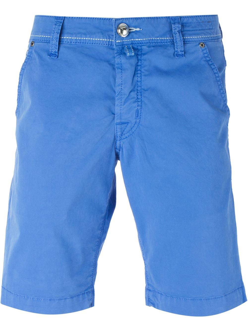 Levi's® shorts are a warm-weather essential. Keep it casual in this sleek short silhouette, constructed from stretch denim for comfort. Roll the hem for added style.