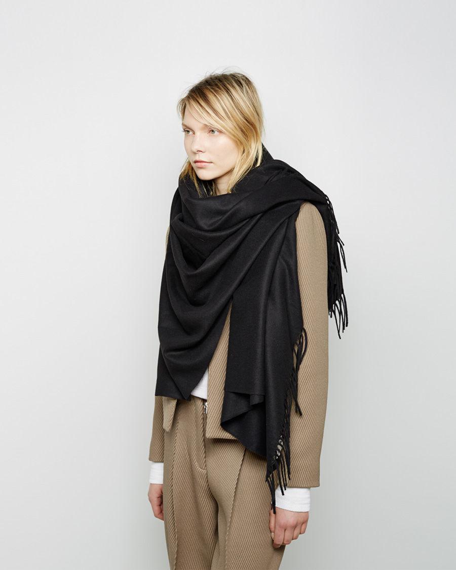 acne studios alaska scarf in black lyst