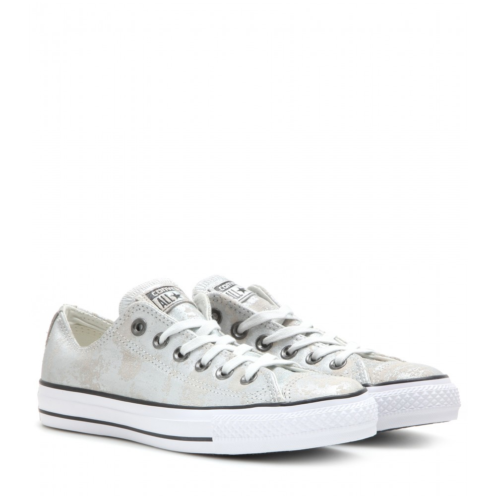 41cbfff03704 Gallery. Previously sold at  Mytheresa · Women s Converse Chuck Taylor  Women s Cap Toe Sneakers ...