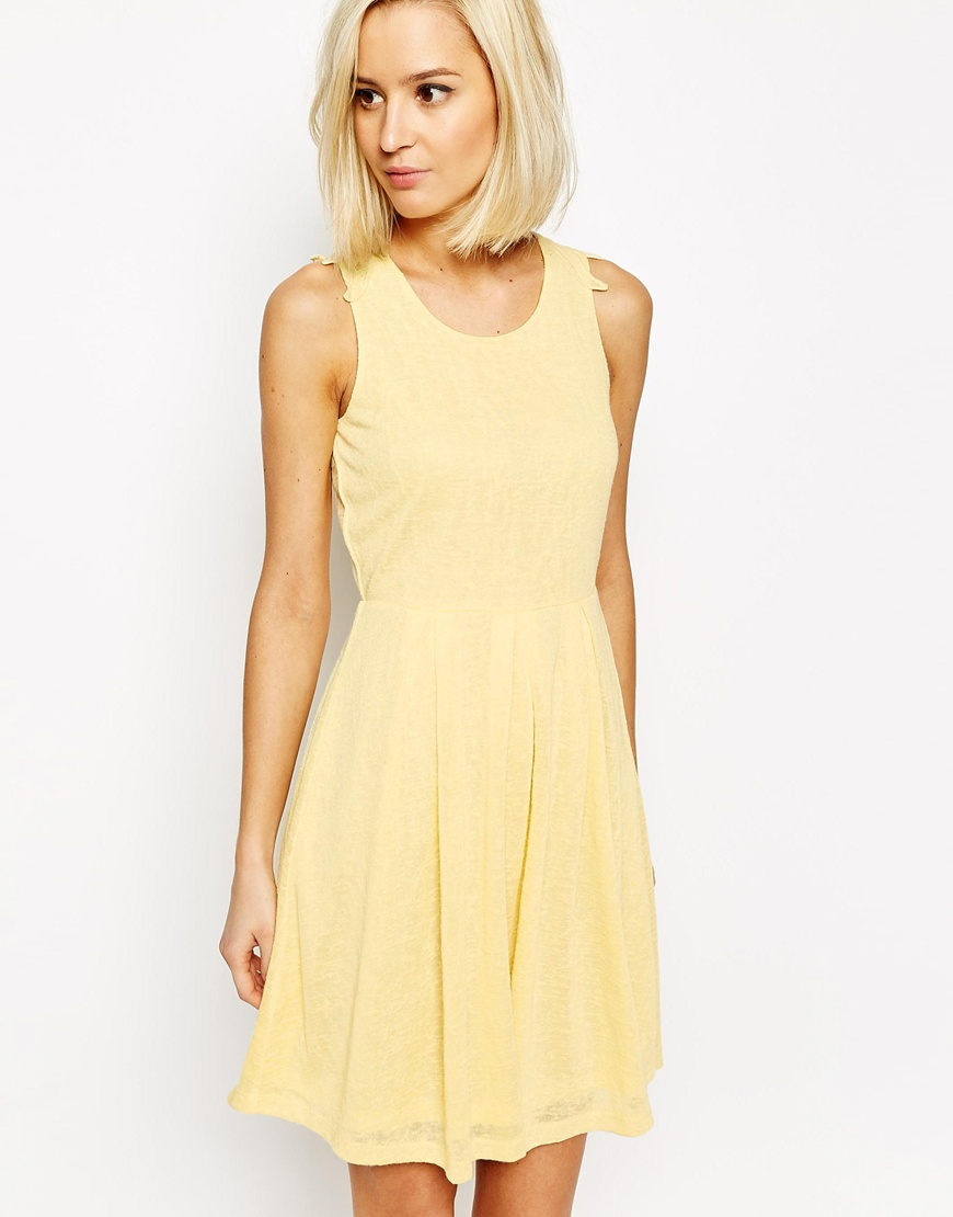 vero moda lace back detail skater dress yellow in yellow. Black Bedroom Furniture Sets. Home Design Ideas