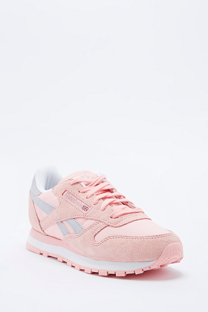 reebok classic leather runner in pink in pink lyst. Black Bedroom Furniture Sets. Home Design Ideas