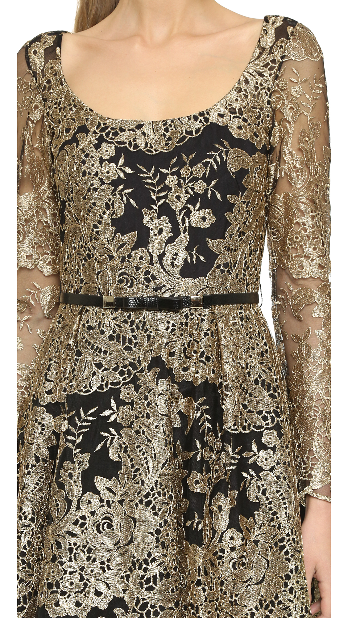 Black dress gold lace - Gallery