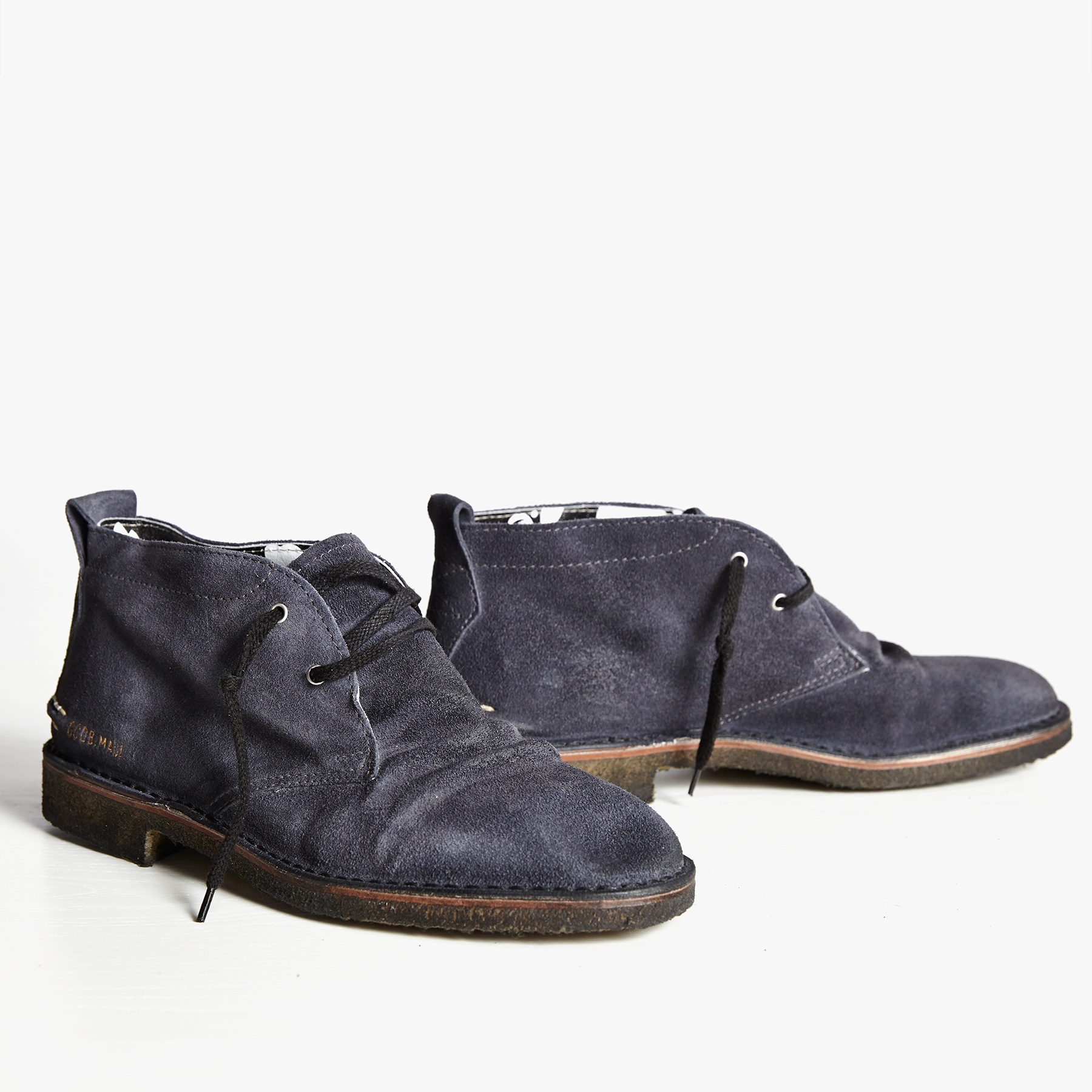 golden goose mens chukka boot in gray for