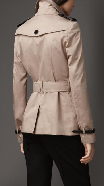 Burberry Short Leather Detail Sateen Trench Coat In Beige