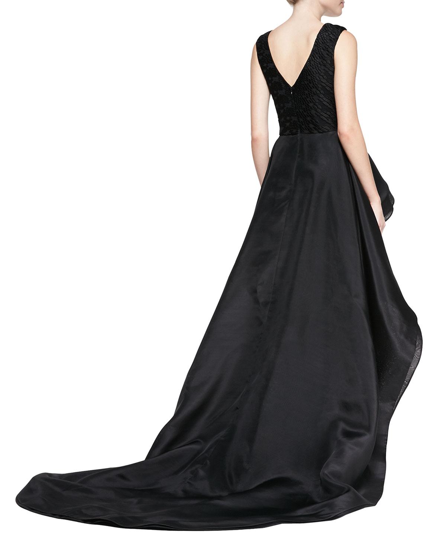 Christian Siriano Sleeveless Flounce Overlay Gown In Black