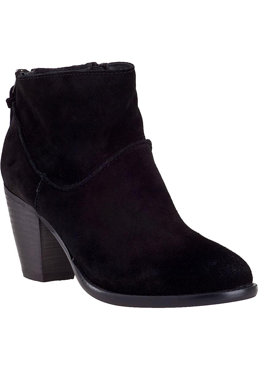 steve madden milaan ankle boot black suede in black lyst