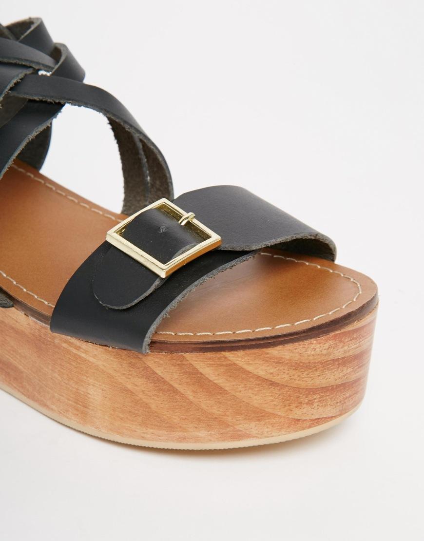Flatform Sandals - Black Park Lane TWoIP1B1