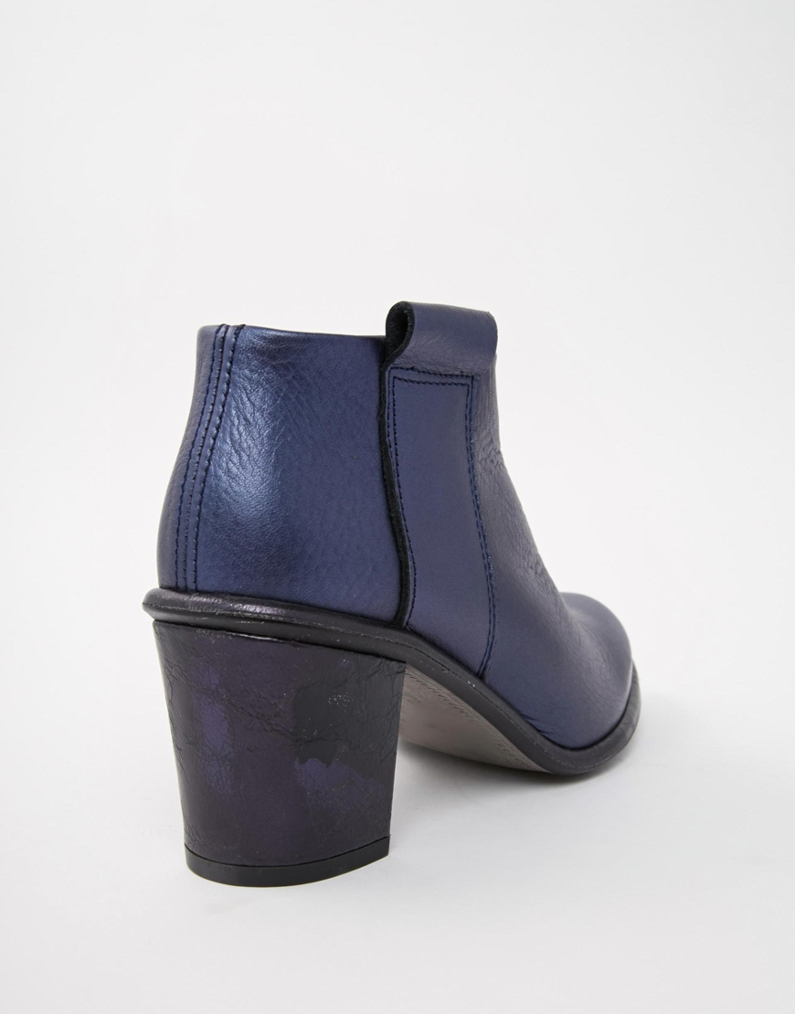 Miista Anais Low Cut Leather Heeled Ankle Boots in Blue | Lyst