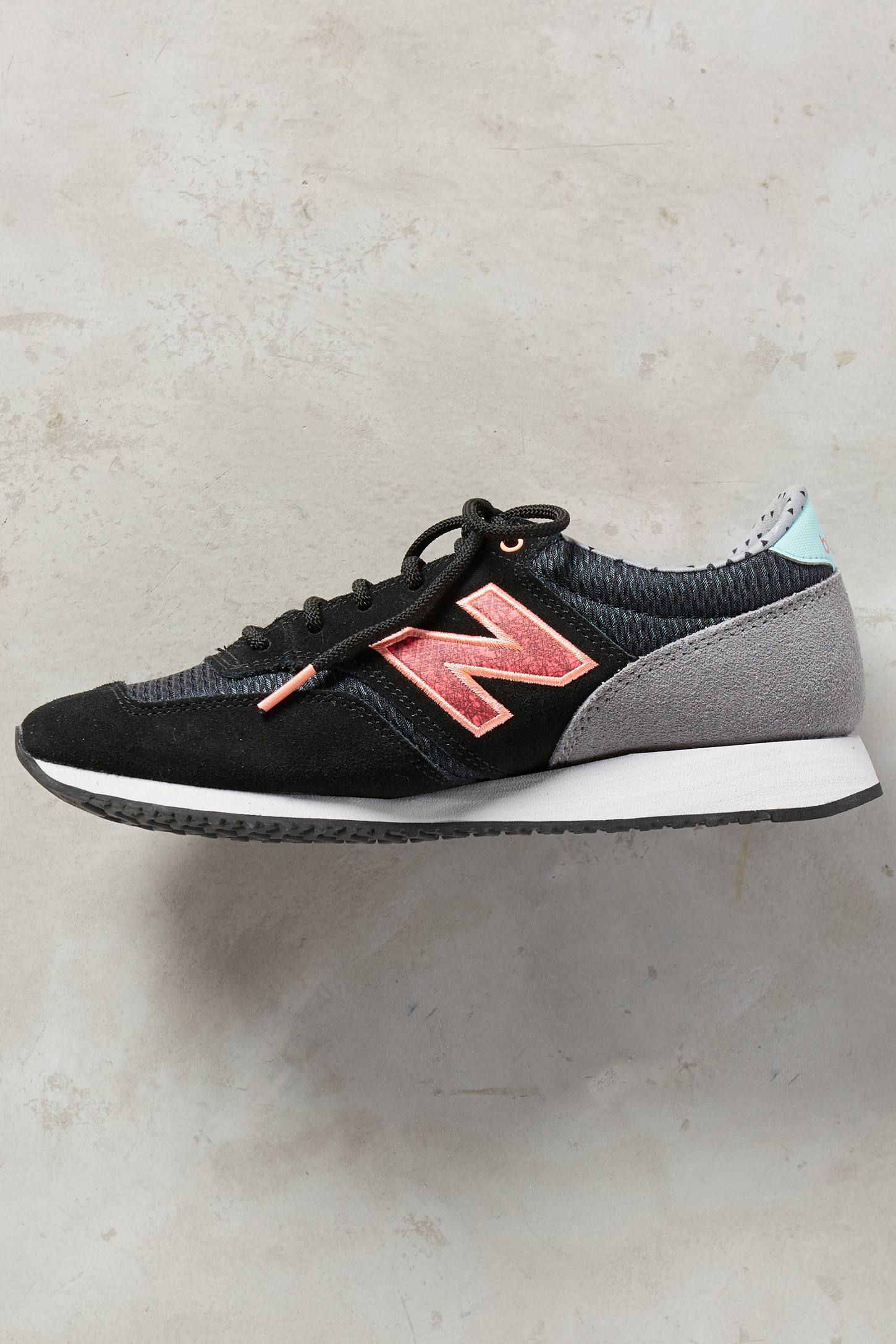 new balance grey & pink 420 trainers