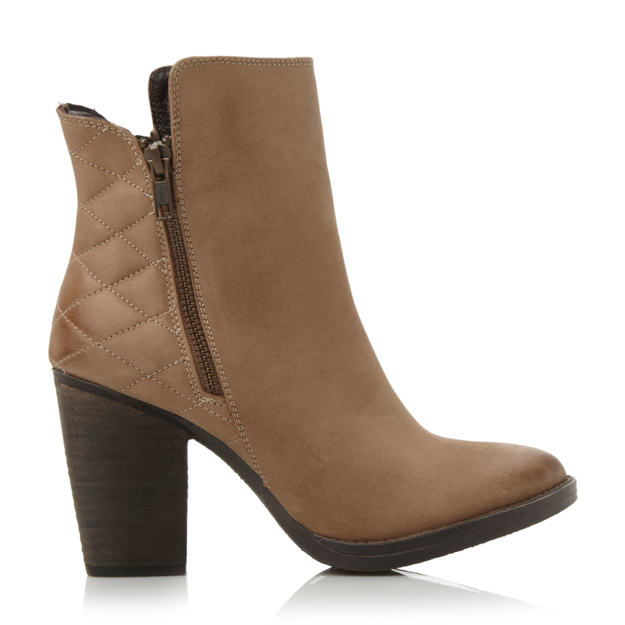 steve madden ryatt q quilted leather ankle boots in brown