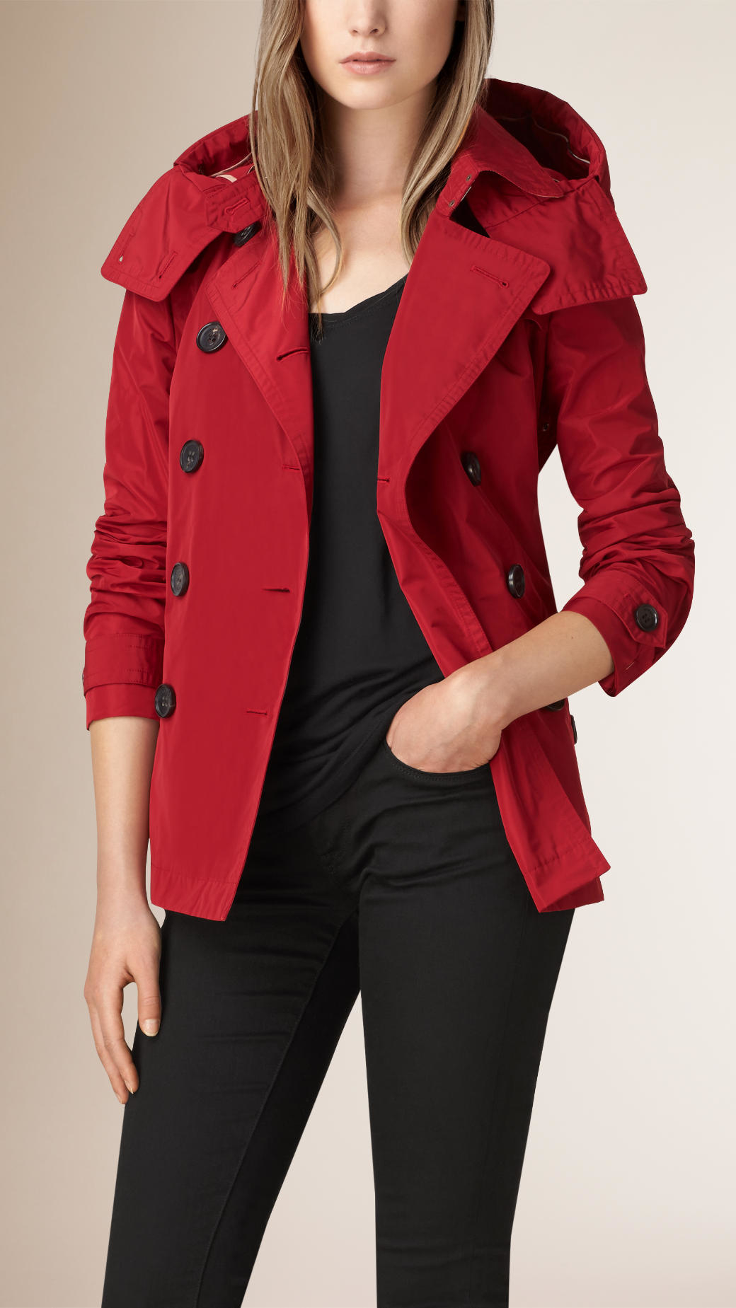 Burberry Short Showerproof Trench Coat in Red | Lyst
