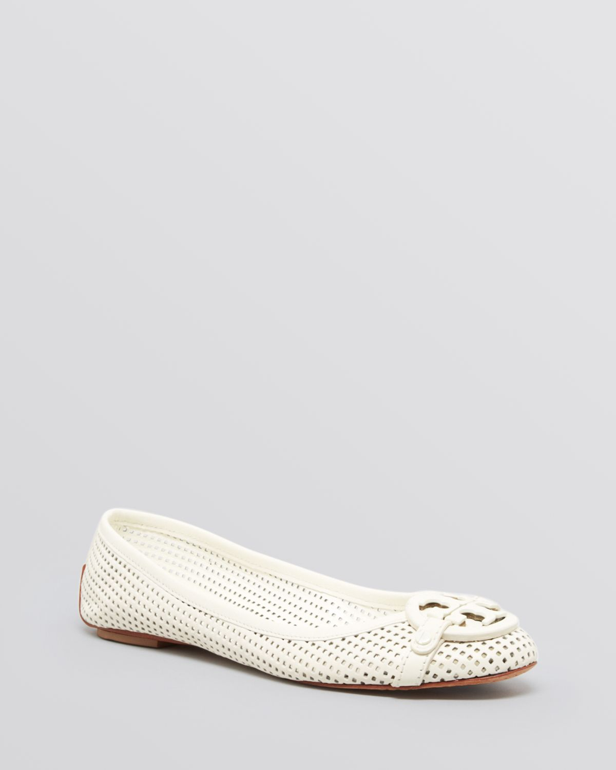 3f1827fc60b Lyst - Tory Burch Ballet Flats Aaden Perforated in White