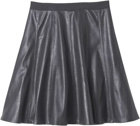faux leather flounce skirt in black