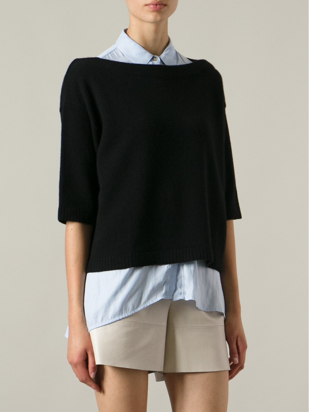 Valentino Cropped Boxy Sweater in Black | Lyst