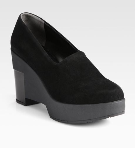 Robert Clergerie Suede and Patent Leather Wedge Pumps in Black