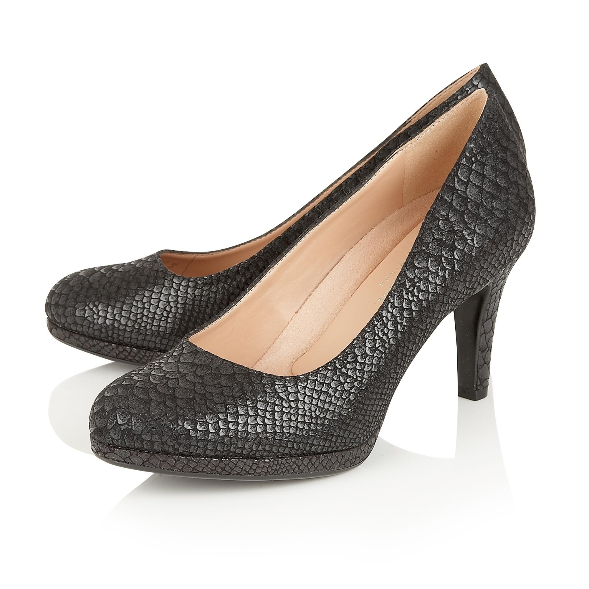 naturalizer court shoes in black lyst