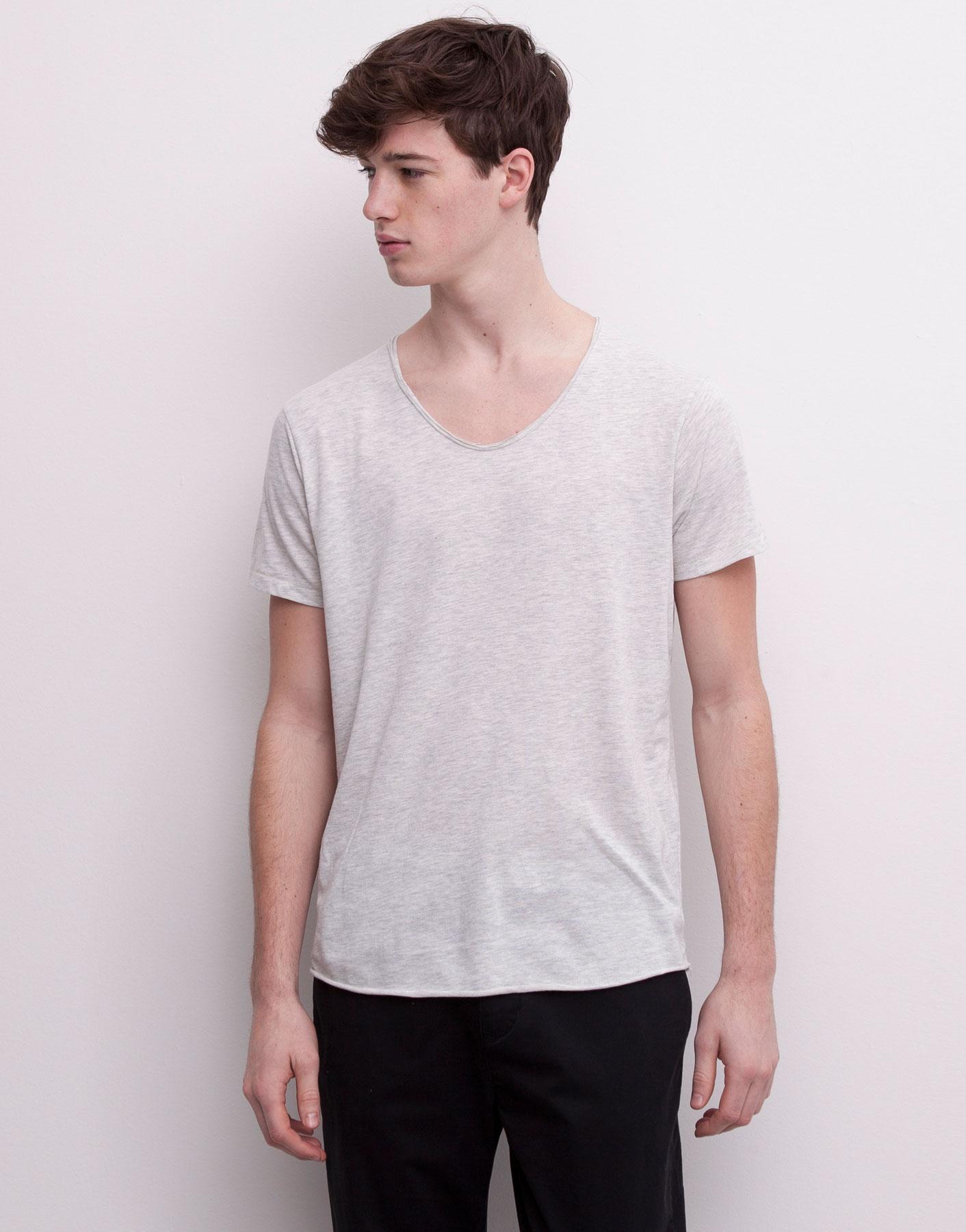 Pull bear basic v neck short sleeve t shirt in white for for Bear river workwear shirts