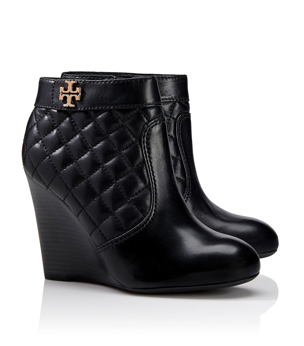 5d95a6fe7 Lyst - Tory Burch Leila Wedge Bootie in Black